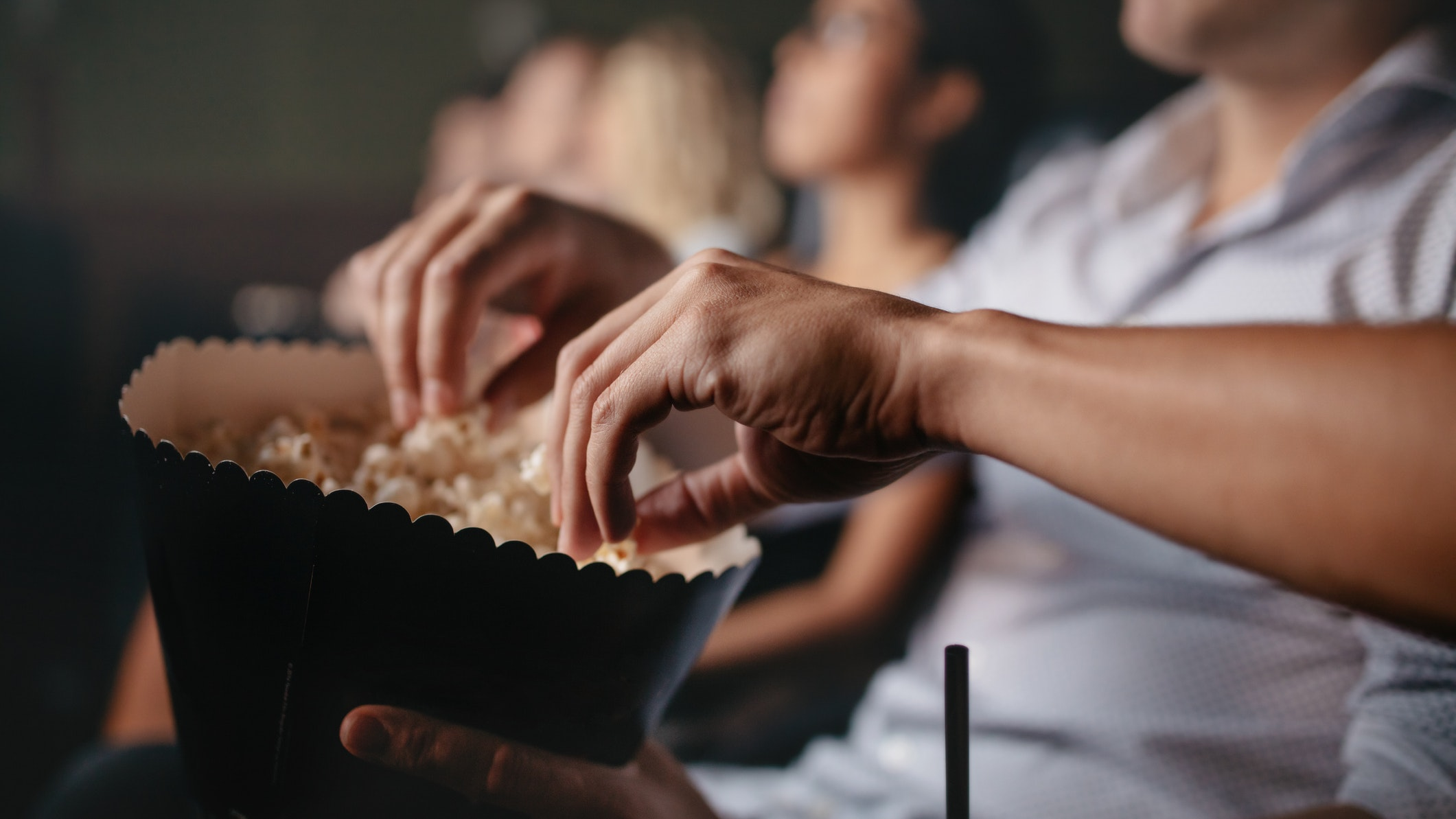 Кинотеатры заработали напродаже попкорна инапитков 22 млрд рублей