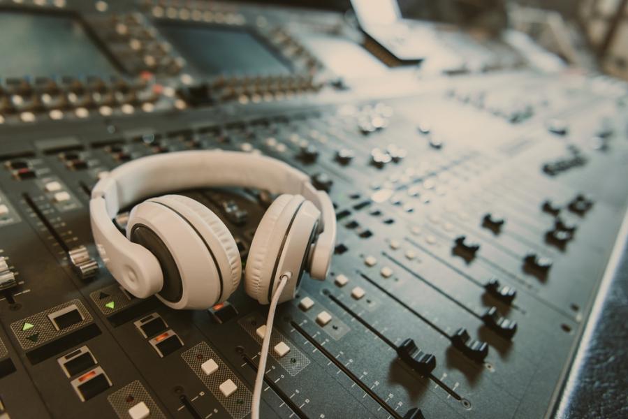 Рынок онлайн-аудио вРоссии превысит 6,5 млрд рублей в2024 году