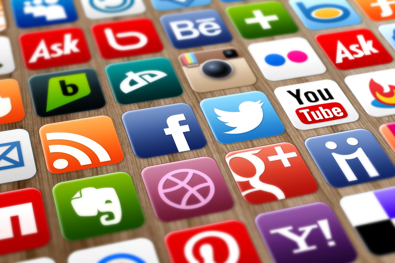 Twitter и Facebook могут запретит использовать данные россиян